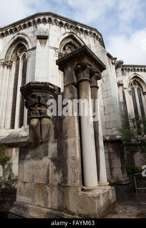 Portugal, Lisbon Cathedral, columns in the cloister - Stock Photo