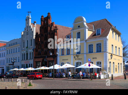 Houses with cafes at market square, Wismar, Baltic Sea, Mecklenburg Western Pomerania, Germany, Europe - Stock Photo