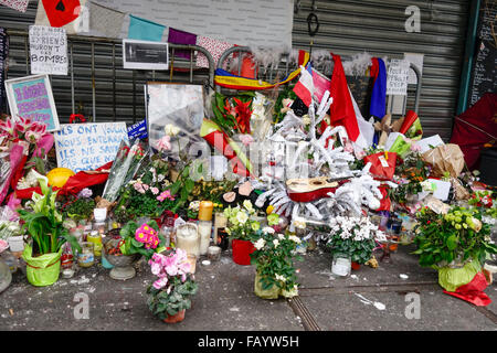 Tributes to the victims of the terrorist attacks of November 13, 2015 at La Belle Equipe restaurant, Paris, France. - Stock Photo