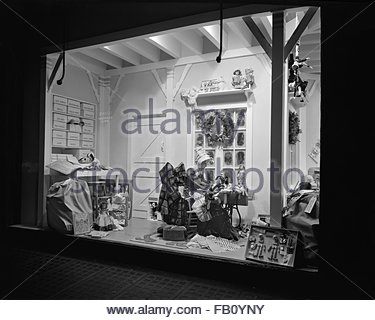 Window displays at Marshall Field and Company with toys, 1943 Dec. 2. Toy workshop. - Stock Photo