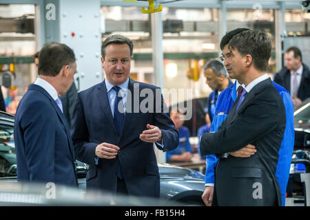 Munich, Germany. 07th Jan, 2016. Britain's Prime Minister David Cameron (C) with BMW CEO Harald Krueger (R) and - Stock Photo
