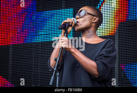 Laura Mvula performing at Victorious Festival, Southsea, 2015. - Stock Photo