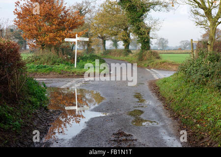 Signpost along a rural country lane in Horning - Stock Photo