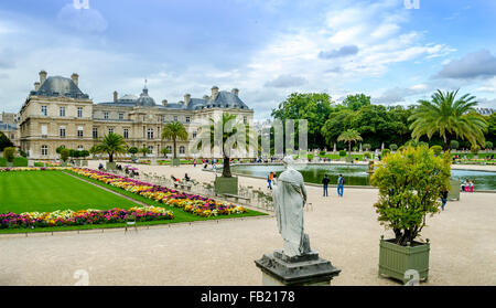 PARIS,FRANCE ; Summer day in the Luxemburg garden. - Stock Photo