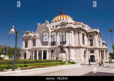 Palacio de Bellas Artes (Palace of Fine Arts), Mexico City, Mexico South America - Stock Photo