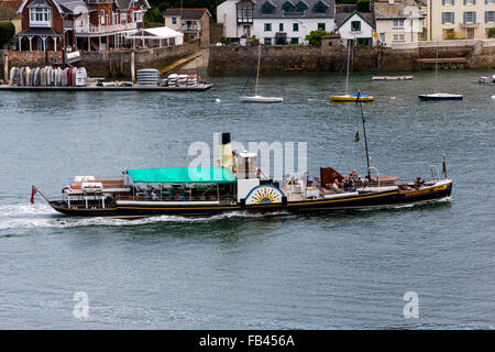 Kingswear Castle Passenger Steamer Passing the Royal  Dart  Yacht Club Heading Towards the Historic Old Castle: - Stock Photo