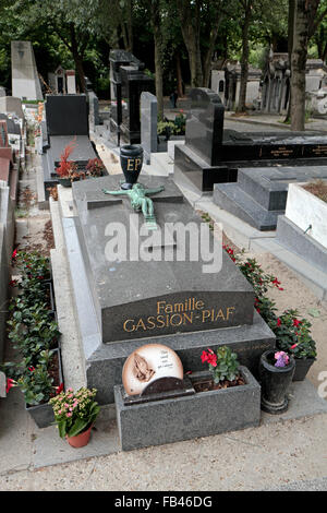 The tomb of the Gassion-Piaf family including Édith Piaf in the Père Lachaise Cemetery, Paris, France. - Stock Photo