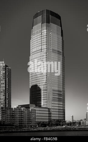 Goldman Sachs Tower in Black & White. The modernist architecture skyscraper is located in New Jersey City facing - Stock Photo