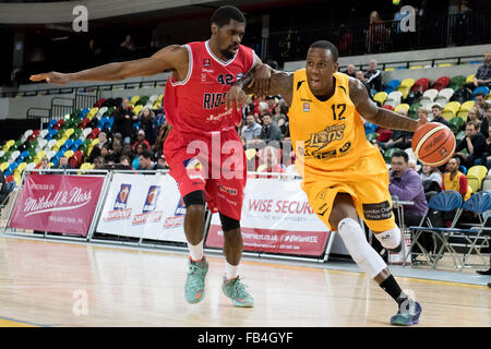 London, UK. 8th January, 2016. London Lions beaten 50 vs 71 to Leicester Riders. Alex Owumi (12) London Lions powers - Stock Photo