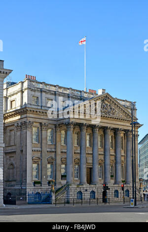 Mansion House the official residence of the Lord Mayor of London on the busy bank traffic junction City of London - Stock Photo