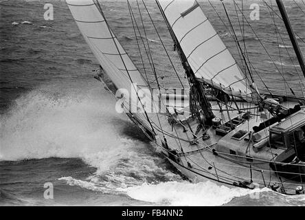 AJAXNETPHOTO.1974. ISLE OF WIGHT, ENGLAND. - WHITBREAD RACE 1973/1974 -  33 EXPORT (FRA)  NEARS THE FINISH LINE - Stock Photo