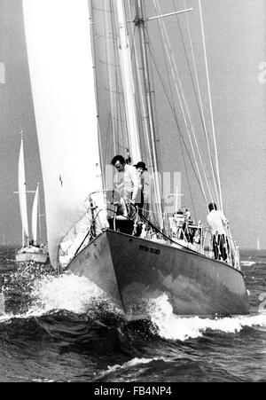 AJAX NEWS PHOTOS - 8TH SEPT, 1973. SOUTHSEA, ENGLAND. - WHITBREAD ROUND THE WORLD RACE START - BRITISH SOLDIER (GB). - Stock Photo