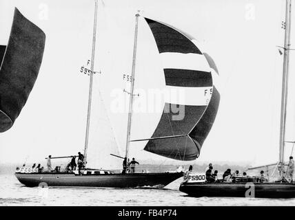 AJAX NEWS PHOTOS. 1974. SOUTHSEA, ENGLAND. - WHITBREAD ROUND THE WORLD RACE - FRENCH ENTRY GRAND LOUIS (SKIPPER - Stock Photo