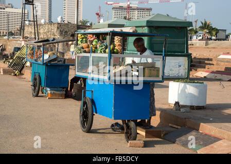 Food stalls on Galle Face Beach in Colombo, Sri Lanka. - Stock Photo