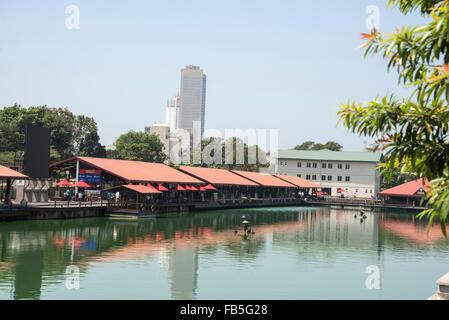 Pettah floating market next to W E Bastian Mawatha, Colombo, Sri Lanka.  It is Colombo's new landmark opened in - Stock Photo