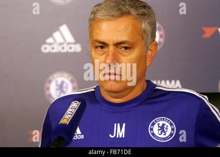 leadership profile josé mourinho Sky sports pundit paul merson believes jose mourinho wants manchester united to sack him the portuguese has since defended the progress the club has made under his leadership, citing the fact united have failed in european competitions before his time.