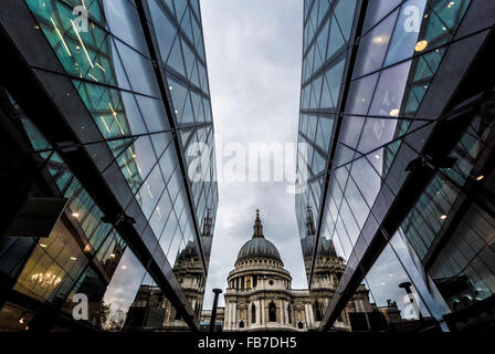 St Paul's Cathedral viewed from One New Change, London, UK. - Stock Photo