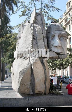 1992 monumental sculpture by Enrique Villalobos in Santiago, Chile - Stock Photo