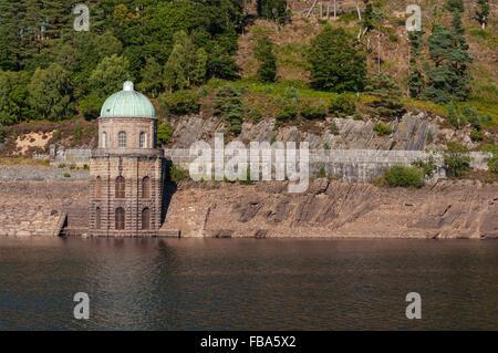 Foel Tower near the Garreg-ddu submerged dam in the Elan Valley, Wales. - Stock Photo