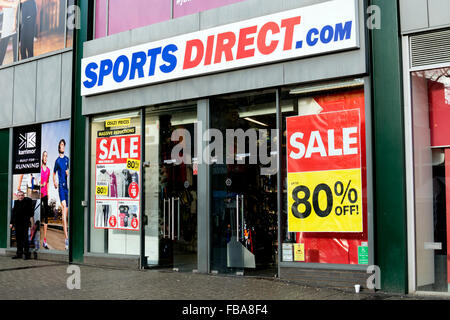 Click here to find unmissable deals in the Sports Direct Outlet! Discover all of your favourite brands incl. Nike, adidas, CK, Puma, Converse, Skechers at discount prices. You''ll find savings of up to 80% on trainers, tracksuits, hoodies, t-shirts, jackets and so much .