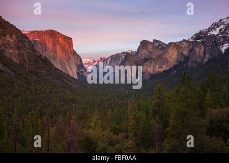 Yosemite Tunnel view winter - Stock Photo