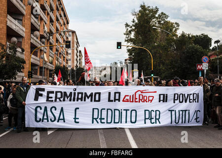 Rome, Italy. 15th Jan, 2016. 'Housing rights' activists take part in a demonstration to protest against forced housing - Stock Photo