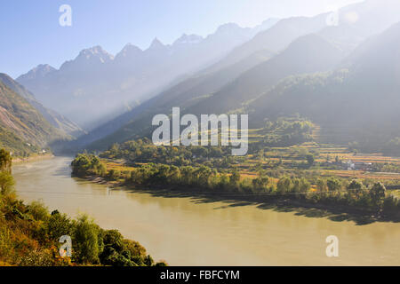 Tiger Leaping Gorge,a scenic canyon on the Jinsha,a primary tributary of the upper Yangtze River,North of Lijiang,Yunnan,China - Stock Photo