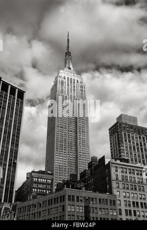 Art Deco Architectural Style Empire State Building Skyscraper In Stock Photo Alamy