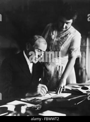 Woodrow Wilson, the 28th President of the USA, with his wife, Edith Bolling Galt, June 1920 - Stock Photo