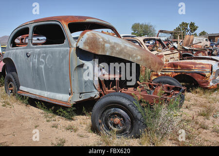 altes rostiges Auto ohne Motor - Stock Photo