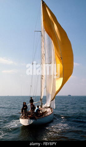 AJAX NEWS PHOTOS. 1974. ISLE OF WIGHT, ENGLAND. - WHITBREAD RACE END - GUIA (ITALY) SKIPPERED BY GIORGIO FALCK PASSING - Stock Photo