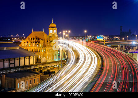 Richmond, Virginia, USA at historic Main Street Station and Interstate 95. - Stock Photo