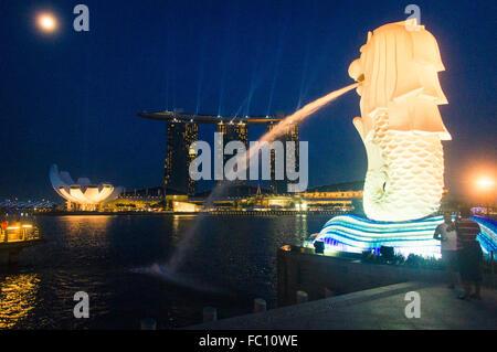 merlion park in marina bay of Singapore - Stock Photo
