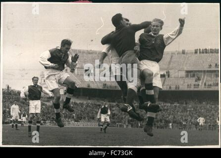 1955 - Madrid, Spain: Real Madrid soccer team has beat easily the Sweden's first division Goteborg Gais by five - Stock Photo