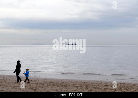 Beach, Whitemore Bay, Barry Island, Vale of Glamorgan, South Wales, UK. - Stock Photo