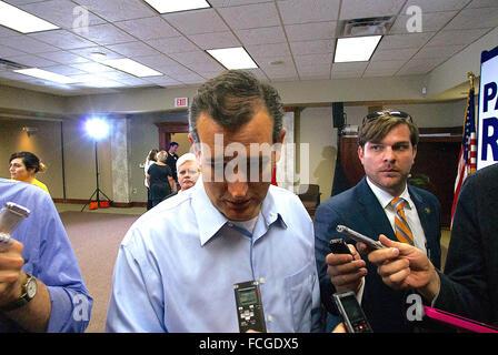 Wichita, Kansas, USA, 9th October, 2014 Texas Senator Ted Cruz at  Senator Pat Roberts Campaign Rally  Credit: Mark - Stock Photo