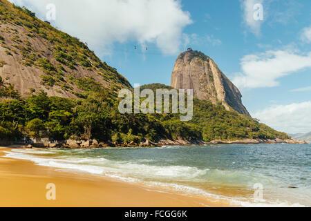 Brazil Rio de Janeiro Morro da Urca and ropeway to Sugarloaf Mountain - Stock Photo