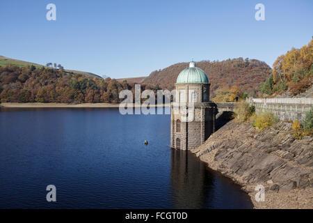 Garreg Ddu dam in the lower Elan Valley, Mid Wales, Uk - Stock Photo