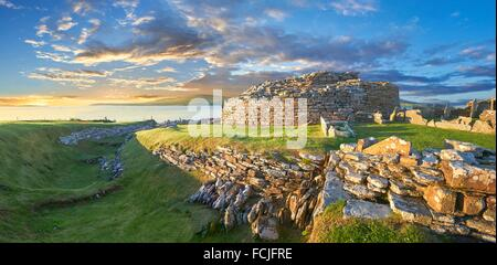 The Broch of Gurness is a rare example of a well preserved iron age Broch village. Dating from 500 to 200BC the - Stock Photo