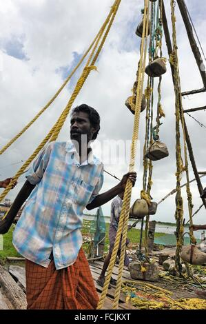 Chinese fishing net, Fort Kochi, Kochi or Cochin, Kerala state, South India, Asia. - Stock Photo