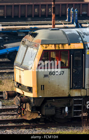 Driving cab of a disused class 60 diesel loco at Toton depot in Nottinghamshire - Stock Photo