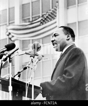 Martin Luther King. Dr  Martin Luther King Jr speaking at an anti-war demonstration in New York City, 1967 - Stock Photo