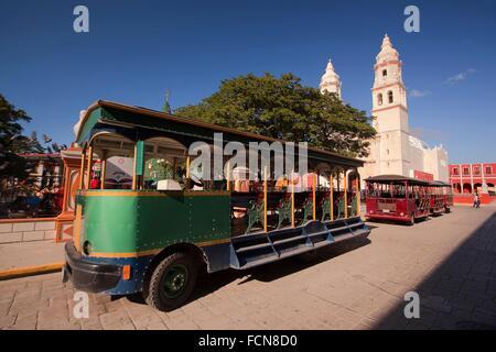 Catedral de Nuestra Senora de la Purisima Concepcion, Cathedral of Campeche at Zocalo in the historical center with - Stock Photo