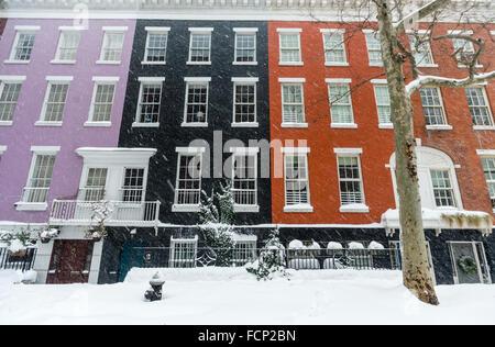 New York, NY 23 January 2016 Winter Storm Jonas hits New York City. New York Governor Andrew Cuomo and NYC Mayor - Stock Photo