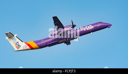 Bombardier Dash 8 Q400 passenger aircraft launches from Newquay Airport - Stock Photo