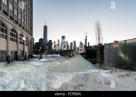 Jersey City, USA. 24th Jan, 2016. The sun rises over Jersey City, where the Jonas blizzard has left the streets - Stock Photo