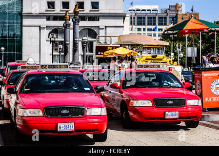 DC Taxicabs in new uniform livery, Union Station, Washington DC - Stock Photo