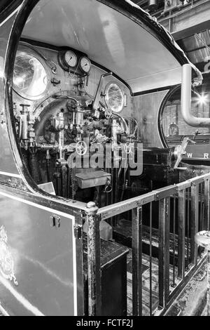 Locomotive footplate, the engineering and mechanical equipment on permanent view The National Railway Museum in - Stock Photo