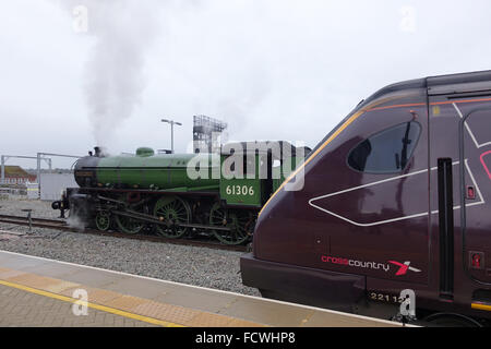 Cross Country Class 221 Voyager and Class B1 61306 Mayflower at Reading Station -1 - Stock Photo