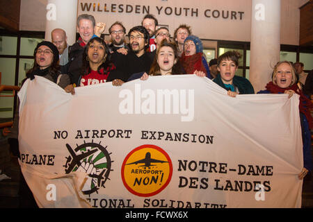 London, UK 25th January 2016. Plane Stupid activists after a court hearing at Willesden Magistrates, following charges - Stock Photo